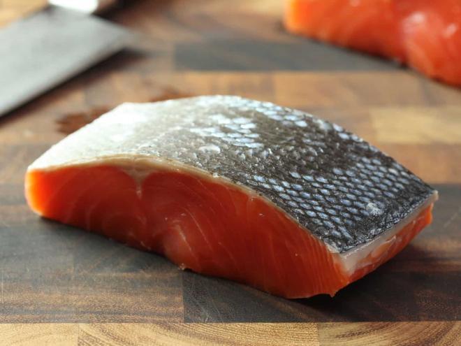 5. ikan salmon